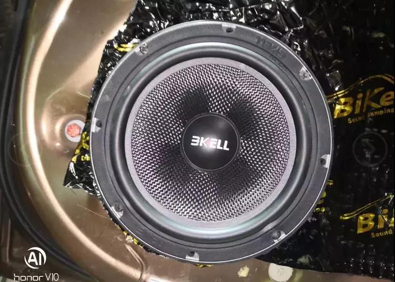美国霸克LU6.2套装表现如何!看比亚迪G6改装现场