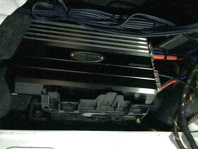 混搭新风尚 义乌车改坊奥迪A6改装ETON、ARC和霸克音