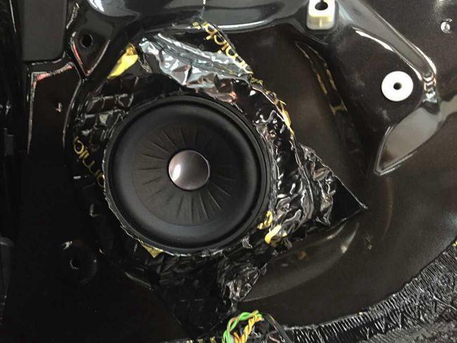 声音表现是关键 义乌车改坊宝马X5升级德国ETON宝马